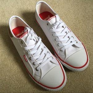 White Levi's Sneakers